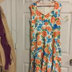 Lindy Body Floral Swing Dreas